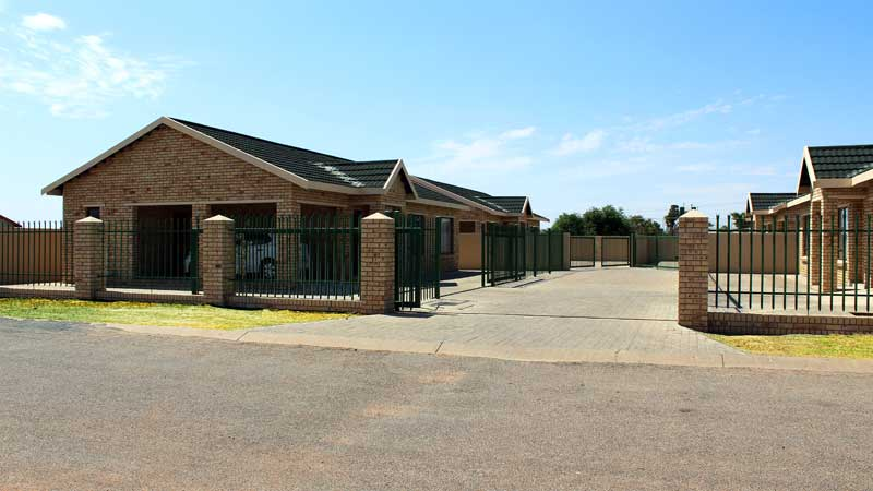 townhouses vryburg